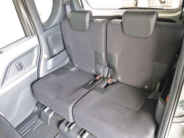 リヤシートもゆったりしています!どれだけ乗っても疲れません!!