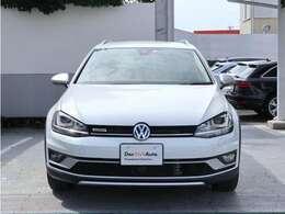 Volkswagenのアイデンティティ水平基調のフロントマスク。在庫状況もお気軽にお問い合わせください。