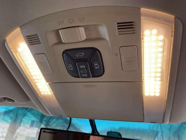 室内灯LED!両側パワースライドドア!パワーバックドア!