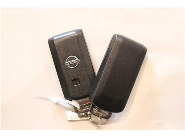 カギをバッグやポケットに入れたままでもドアロックの開閉ができる『スマートキー』付き!暗くなってもキー穴を捜す必要が無くとっても便利☆人気の装備です!
