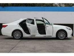 ワンオーナー、禁煙車、登録済未使用車、特別仕様車、限定車、カスタム等の魅力ある中古車が多数在庫!仕入れの専門部隊が熟練された目利きで仕入れ、お値打ち価格でご提供いたします!