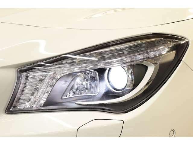 視認性に優れたキセノンヘッドライト&ウォッシャーを搭載!運転者様の夜間走行をサポート致します!!