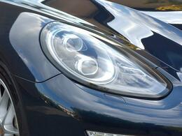 LEDヘッドライトダイナミックコーナリングライトプラス(PDLSプラス)付き
