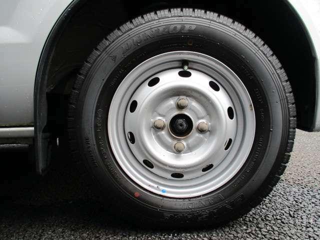 タイヤ8部山!◆スタッドレスタイヤ・アルミホイールなどのご相談もお気軽に!中古のタイヤ・ホイールなどのご紹介もさせていただきます!