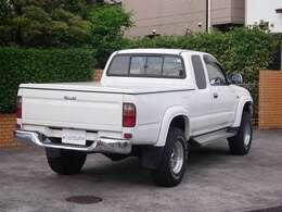 ハイラックス2700 4WD スポーツピックアップ EXキャブ ナント~セカンドオーナーから10年ぶりです!!!年間にするとナントわずか134程度、それぞれオーナー様のガレージ展示館ですね!!!