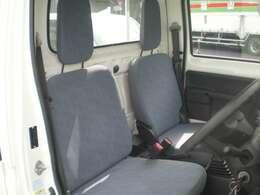 ◇運転席は広くて視界がいいのでリラックスしながら運転をすることができます♪◇