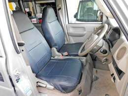革調シートカバー付です。使用感あります。現車にてご確認ください。