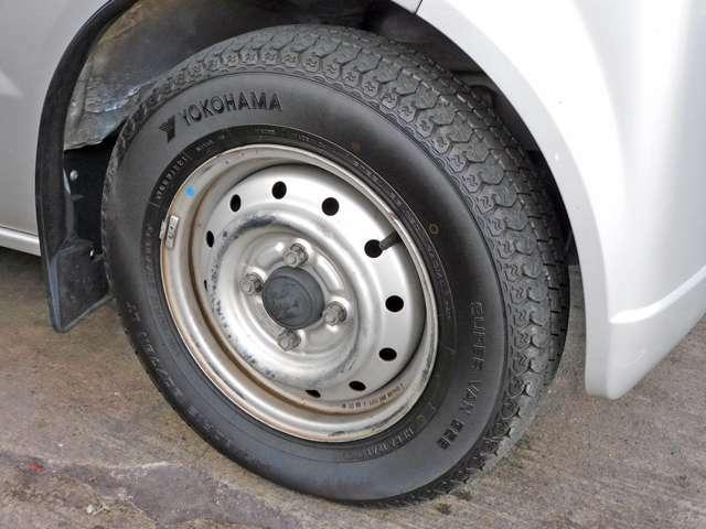 タイヤの溝も十分に残ってます。