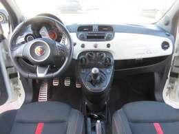 ■左ハンドルのマニュアル車は慣れると意外に運転しやすいですよ!