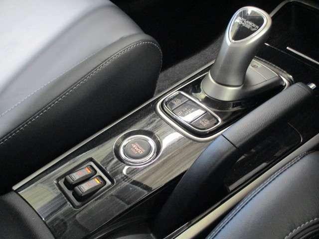 運転席/助手席シートヒーター 4WDLOCK チャージ/セーブモード