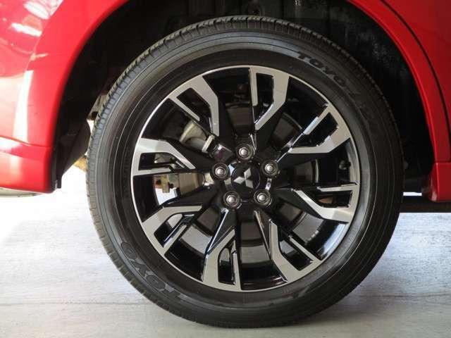 純正アルミホイール タイヤサイズ225/55R18