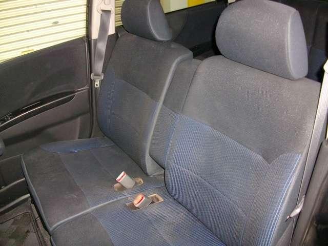 人気のベンチシート車で乗り降り快適!奥様専用車にも!