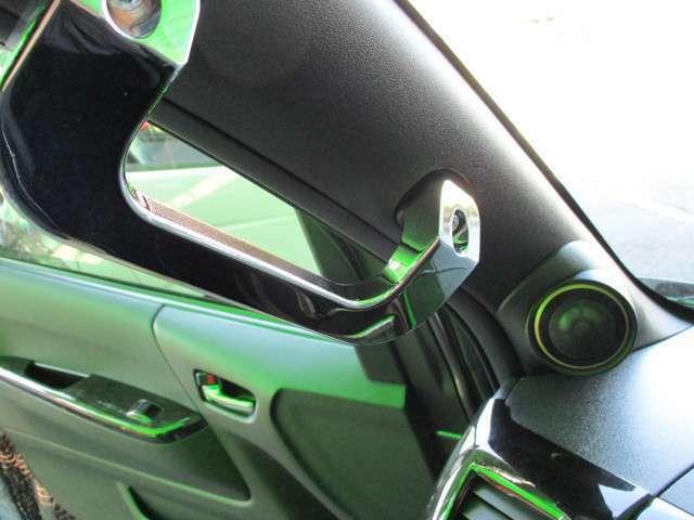 レガンスビレットクロームアシストグリップ&シーリンググリップ装着!更にピラーはアルパインスピーカーシステムに変更☆専用キットです♪
