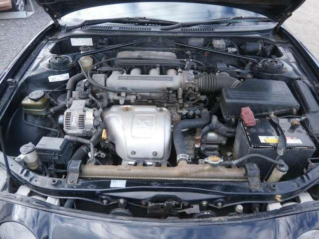 クリーニング済みのエンジンルームになります♪タイミングベルト98,230キロ時に交換済みです♪