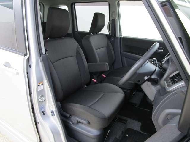 運転席はハイトコントロール付き