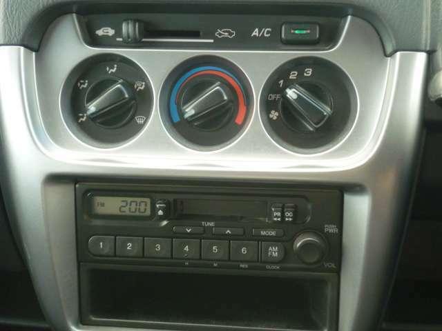マニュアルエアコン、ラジオチューナー