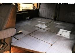座席だけでなくベッドキット1枚1枚もデニム仕様!社内全体が爽やかになっております★