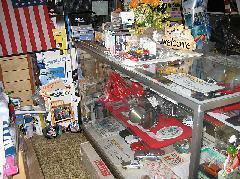 商談ルームには希少なパーツやおもちゃも販売しております。