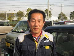 店長の近藤です。2級整備士の国家資格を持った私がお車を仕上げています。安心のカーライフをお手伝いいたします。