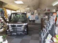 お車ご購入の商談は、マイカーセンターにてコーヒーでも飲みながら、、、販売担当者は全員検査員経験者です。