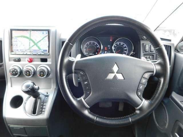 走行中に便利なハンドルスイッチ&高速道路利用される方には、便利が良いクルーズコントロール^^また、少し走りを味わい方には、パドルシフトが付いてます^^