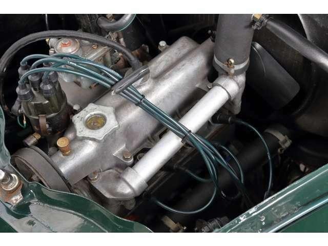 4気筒エンジン 569cc