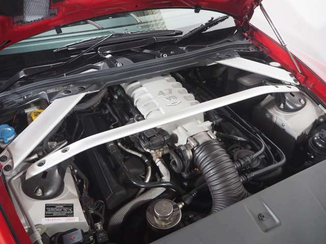 後期型より4.7L426PS(カタログ値)にパワーアップしたエンジン!