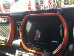 メーカーオプションの全方位カメラ付き9インチメモリーナビゲーション装着車です。CD・DVD再生 Bluetooth機能付き