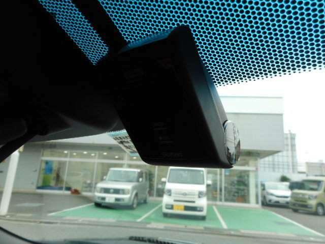 前後ドライブレコーダー装備!運転の「いざっ」の時を録画します!装着車が増えている人気の装備です!