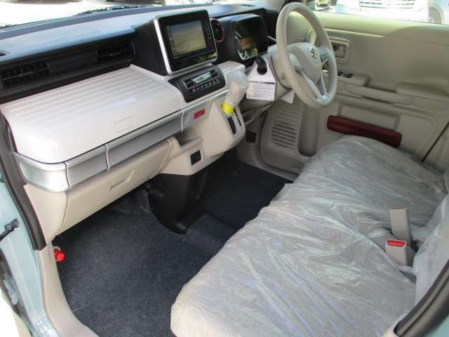 板金塗装の提携工場完備しております。大切なお車の補修やオリジナルペイントなどお気軽にご相談ください。万が一の事故なども中古パーツの取り扱いも御座いますので格安修理可能です。
