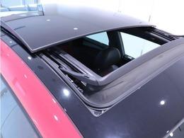 認定中古車は、納車前に専用の機械を使用して71項目の点検を行っております。