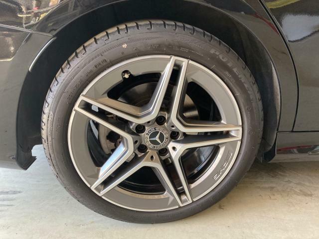 ・タイヤ空気圧システムにより、パンク等のアクシデントをメーター内に表示いち早く危険を察知しご案内致します。