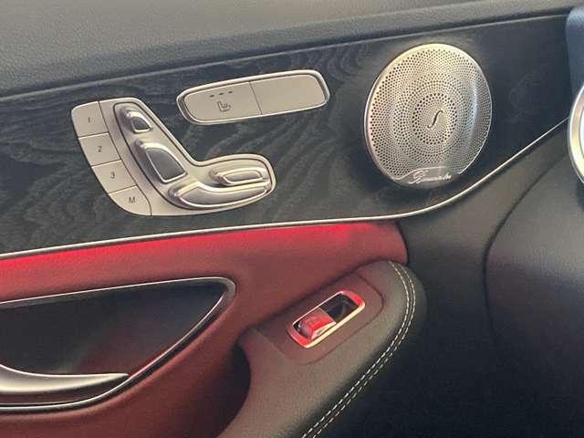 運転席、助手席ともメモリー付きパワーシート装備です。