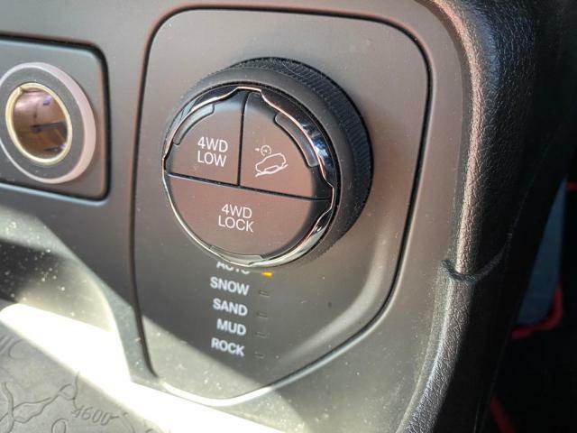 あらゆる路面に適応して最適な駆動に切り替えるセレクトレンシステム搭載しております。