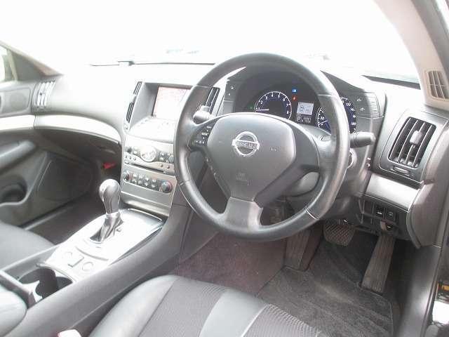 視認性の良い運転席!!運転もラクラク