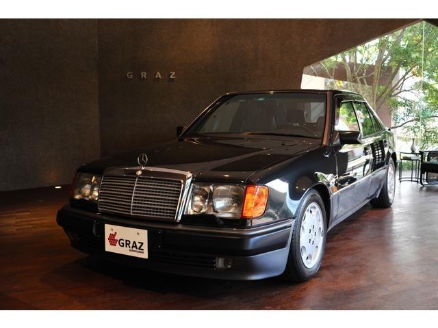 ポルシェとのコラボレーションが産んだ伝説的な名車、ぜひ一度ご覧ください!
