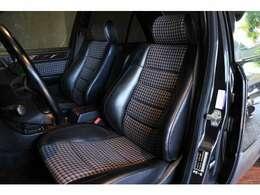 標準仕様のコンビネーションシートは非常にレア!状態も良くクラシカルな雰囲気を醸し出しています。