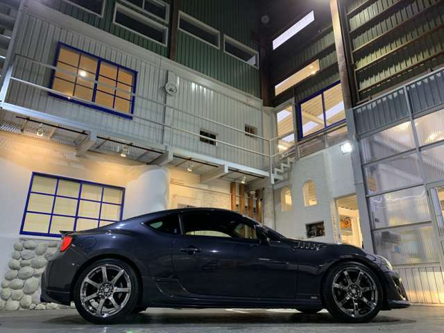全長424cm×全幅178cm×全高132cm(カタログ値)☆TOM'S Advox車高調装着中!