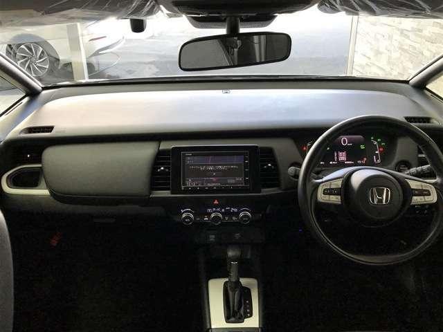 安心して運転して頂ける視界の広さと快適空間です。