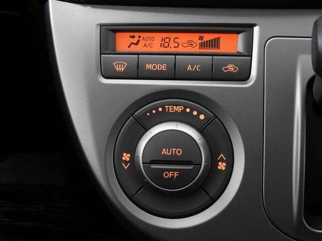 【オートエアコン】汗ばむ夏・ジメジメする梅雨時・冷え冷えする冬も快適☆♪ 簡単操作で、春夏秋冬 一年中快適です♪お好みの温度をセットするだけで、エアコンの風量などを自動でコントロールします♪☆