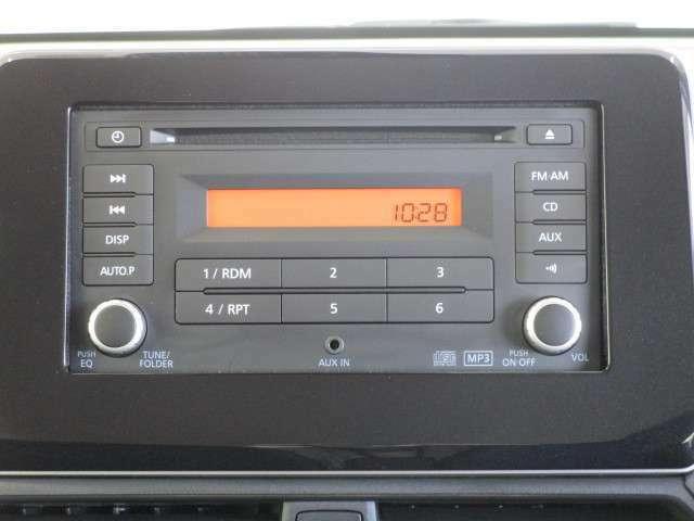 純正CDチューナー装備です。