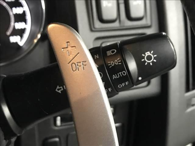 【パドルシフト】ステアリングから手を離すことなく、瞬時にシフトダウンが可能。AT車でもマニュアル操作感覚を楽しむことができます。