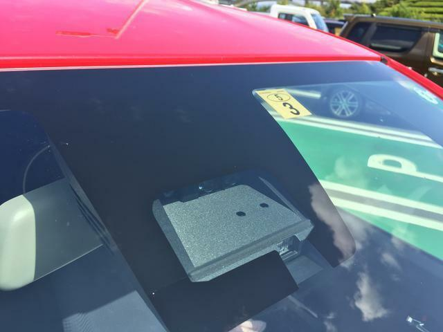 デュアルセンサーブレーキサポート装着車で車だけでなく人も検知しますよ。