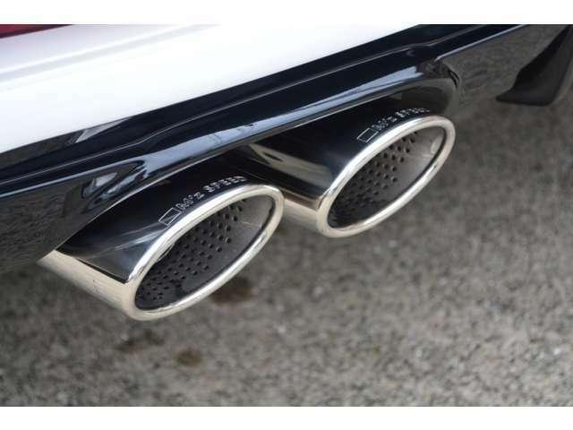 ■オリジナルの4本出しマフラーは車検対応品ですので、音が大きくなりすぎず安心してお乗りいただけます。