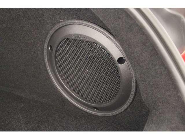 ラゲッジールームにもフォーカルのスピーカーがついていて、臨場感ある音をお楽しみいただけます。