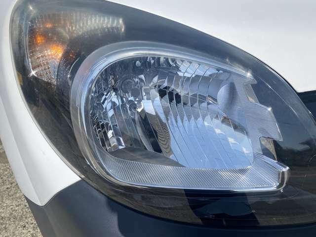左右ともにヘッドライトもひどい荒れ方はしておりません!御納車前にはヘッドライトスチーマーで綺麗に致しますよ♪