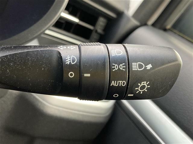 【オートライトシステム】車外の環境に合わせてライトを自動点灯します!トンネルも楽チン♪ライトの付けっ放しによるバッテリー上がり防止にもなります!