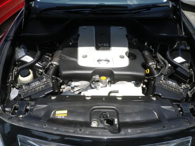 2.5リッタータイミングチェーン式エンジン。