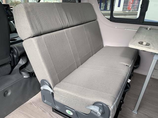 FASPシートが装備されておりますので対面・フラットシートと多彩なシートアレンジが可能になります!