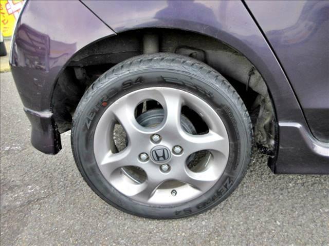 【ホイールキャップ】カーセブンでは『社外アルミホイール・タイヤ』も絶賛好評発売中です!お気に入りのアルミホイールを見つけてみませんか??